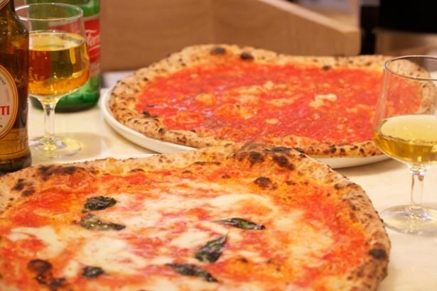 ミケーレのピッツァは、オリジナルの特別なピザ窯で焼きあげる。生地のもちもちとした食感と、香り豊かな炭火の風味は老舗の伝統ならでは