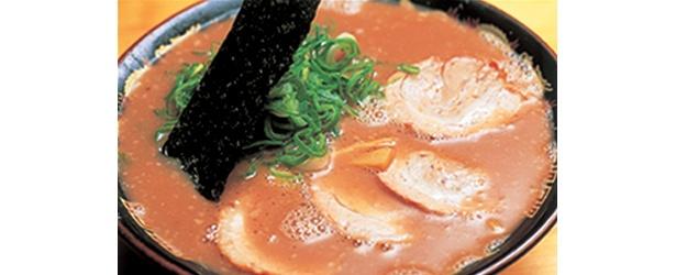 「無鉄砲」(京都)は、京都と大阪にある超濃厚豚骨スープの人気店だ
