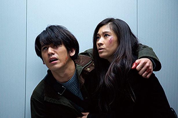 雪平(篠原涼子)の協力者、津島を演じる
