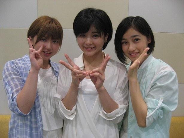 「アンジュルム」の左から竹内朱莉・田村芽実・佐々木莉佳子