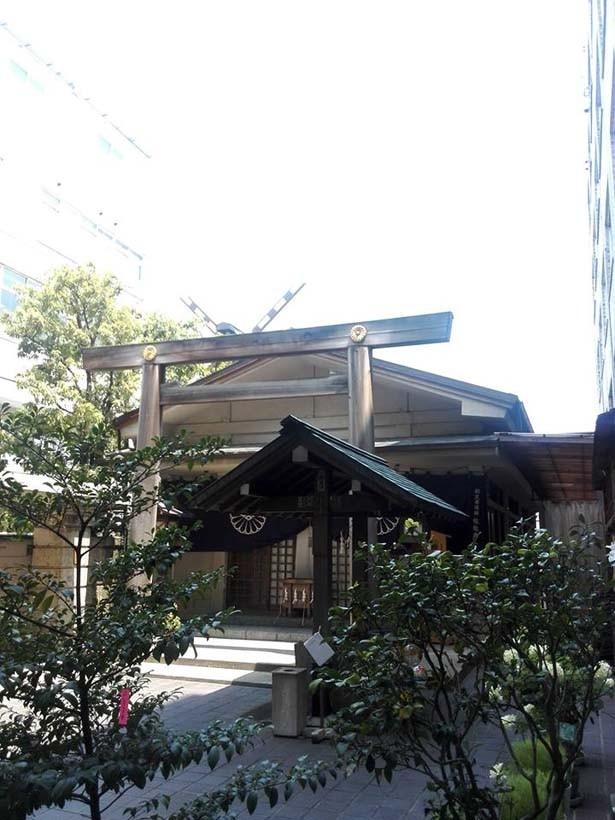 「ホリスティックスペース 凪」は、伝統ある神社「小石川大神宮」境内に位置する
