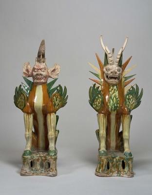 墓への侵入者を威嚇する架空の動物「三彩鎮墓獣」(中国 唐時代・7~8世紀 横河民輔氏寄贈 東洋館5室)