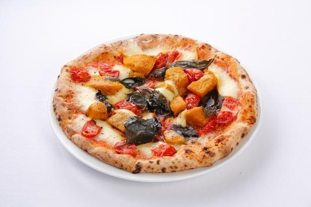 山口浩氏による「ほくほくカボチャとモッツァレラチーズのピッツア デル パパ」は、トマトの酸味とバジルのさわやかな香りも楽しめる