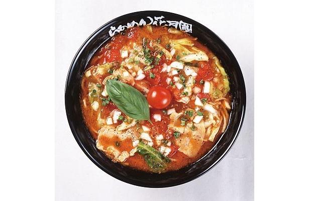 トマトの酸味とニンニクの刺激が食欲を誘う一品!