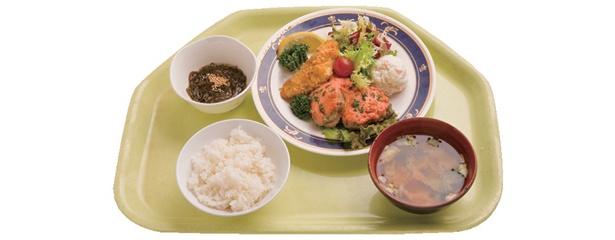 地下1階の「味好」ではこのA定食が550円!【ほか法務省施設写真など】