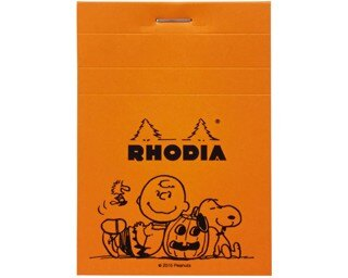 ハロウィン仕様のスヌーピーたちがかわいい、限定グッズの「RHODIA SNOOPYブロックメモNo.11」