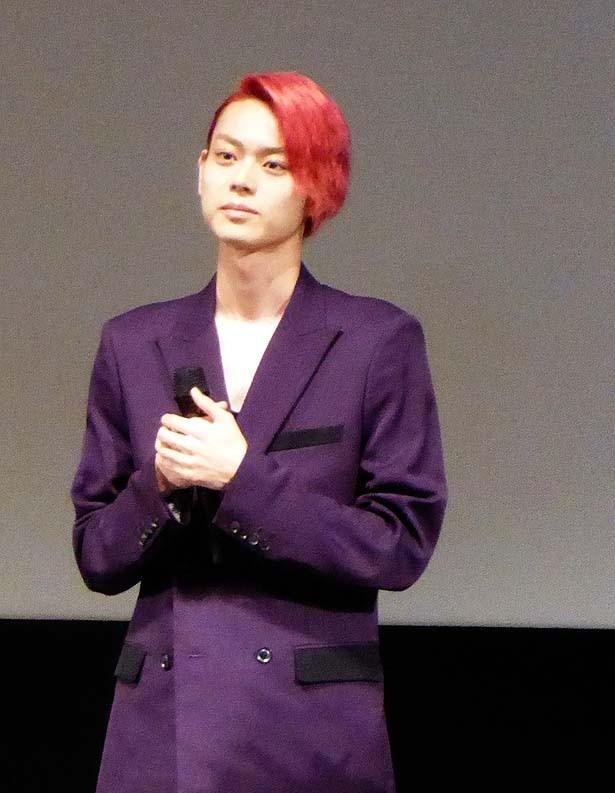 釜山国際映画祭で『ピンクとグレー』の公式上映後、舞台挨拶に登壇した菅田将暉