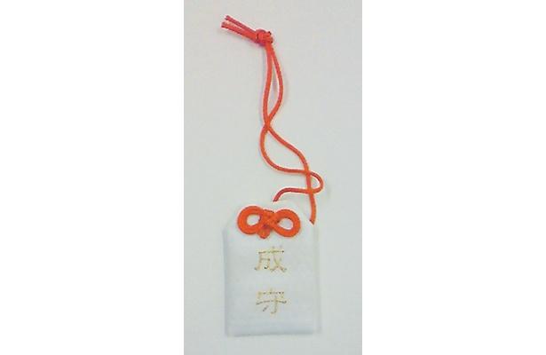 俳優・成宮寛貴プロデュースの「東京プレミアムロール」(2本セット3900円)はローソンにて