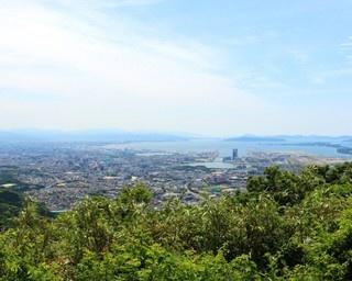 福岡の街を一望!新宮&古賀の低山ハイクで秋を感じる