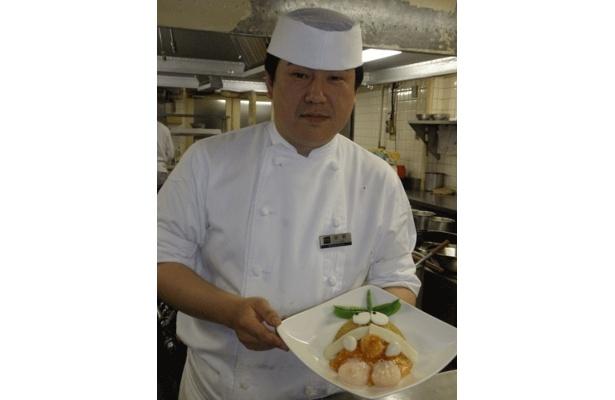 「孔雀庁」料理長の佐野和徳さんです
