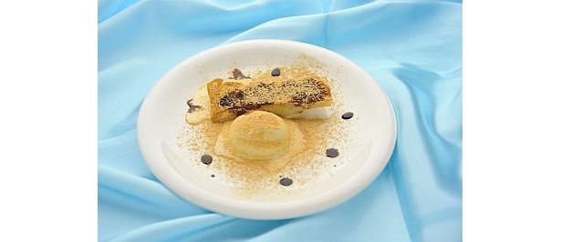 「バルサグラス」は、バニラアイスとバルサミコソースが効いたフレンチ風餃子(400円/神龍)