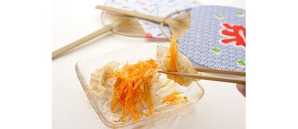 海鮮素材と辛味ネギが合う!「冷やっシーフード」(450円/包王)