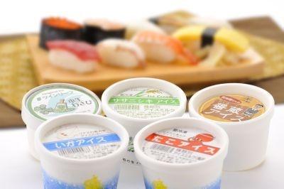 """""""寿司セット""""は、タコやイカ、わさびに醤油、ササニシキがセット"""