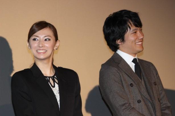 笑顔で森田組を語る松山ケンイチと北川景子 笑顔で森田組を語る松山ケンイチと北川景子 映画 松山ケ