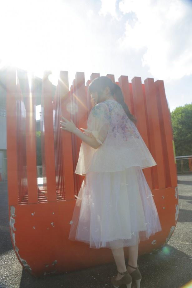 上田麗奈のお散歩フォトコラムがスタート