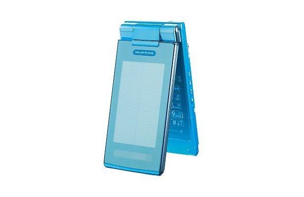 急な電池切れに対応するソーラー パネルを搭載したauのSOLAR PHONE「SH002」