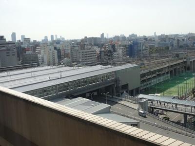 目の前は新大阪駅という好立地!
