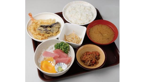 1日限定20食の、500円で食べられる激安刺身定食は売り切れ必至!(江東区「城東綜合食堂」)