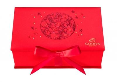 きらびやかなオーナメントのようなデザインが豪華な「ノエル ルミヌ ラグジュアリーボックス」(30粒入1万800円)