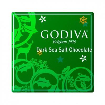 クリスマス限定のスクエア型チョコ「カレ ダークシーソルト」。塩味が絶妙なバランスの、深みのあるチョコレート