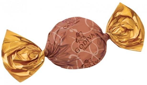 ラッピングチョコ限定フレーバー「トリュフ キャラメルナッツブラウニー」。キャラメルとブラウニー風味のナッツ入りガナッシュをダークチョコでコーティング