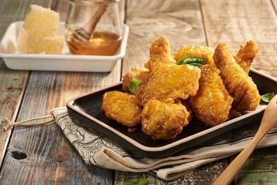 「キョチョンハニーシリーズ」は蜂蜜のほのかな甘味が鶏肉によく合う