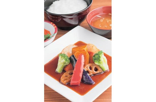 これが580円!? 野菜たっぷりの日替わり定食