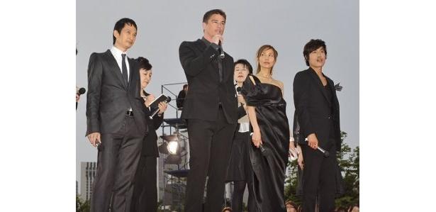 木村拓哉、ジョシュ・ハートネット、イ・ビョンホンらが登壇したワールドプレミア