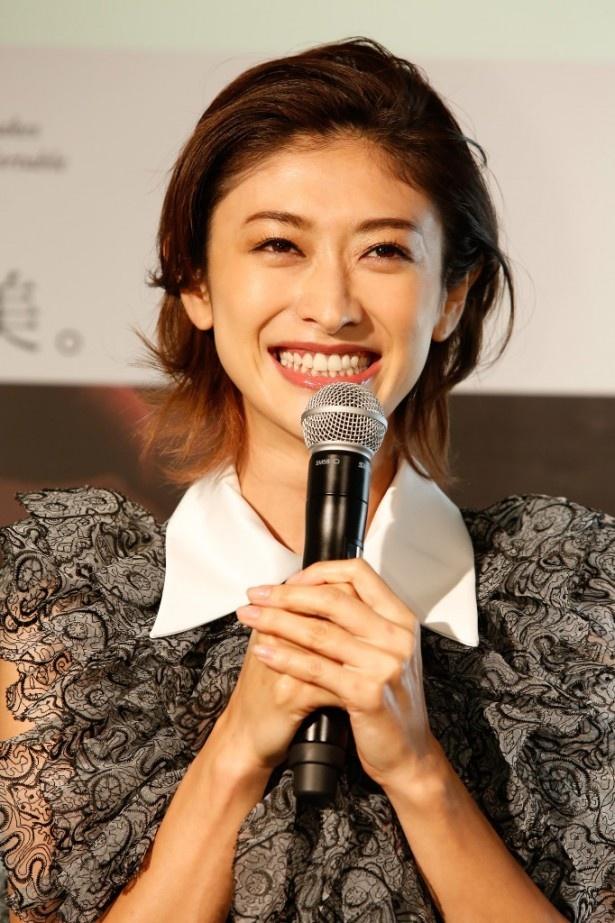 「Cherie Dolce Cafe」(シェリエドルチェカフェ)オープニングイベントに出席した山田優