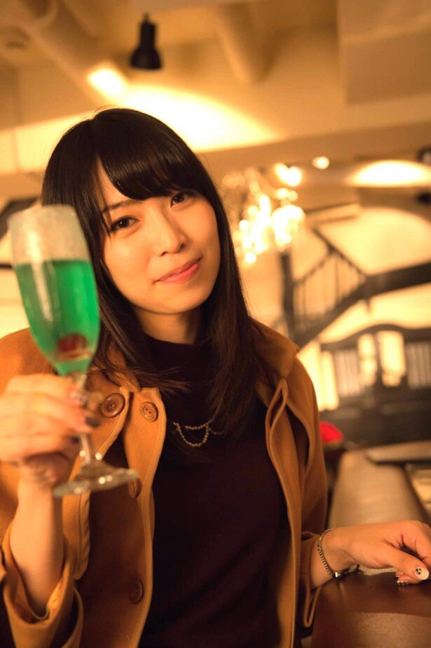 声優・青木瑠璃子が夜の池袋で浮気調査に挑戦!