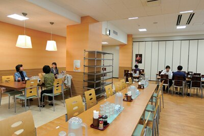 農林水産省の「お鉢の台所」は、昨年6月にオープンした清潔感のある店内