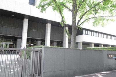 東京高等裁判所は、地下鉄「霞ヶ関」駅A1出口より徒歩1分