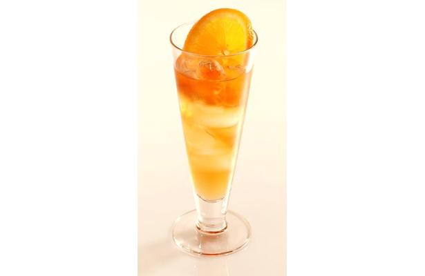 「グァバ アイランド」。「DITA GUAVA」40ml、アイスティ(無糖)適量、オレンジスライス