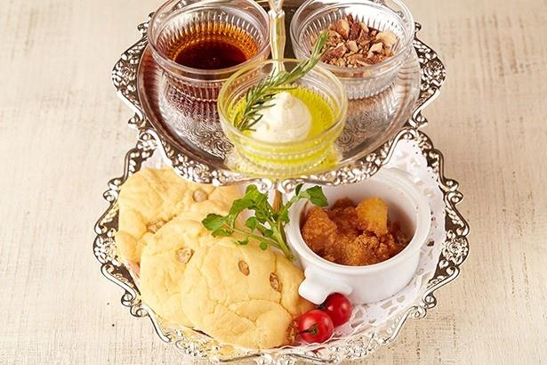 マザーアースカフェの「米粉のスコーンパンケーキ~アフタヌーンティースタイル~」(1598円)はカロリーオフでヘルシーに仕上がっている