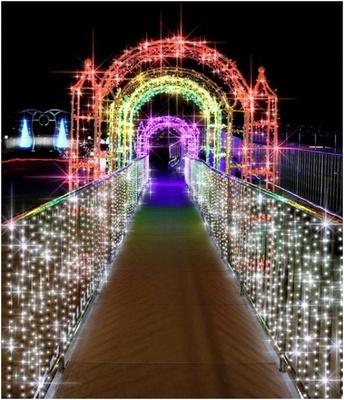 関西空港駅から光のゲートがお出迎え