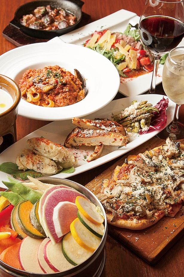 有機野菜とオーガニックワインバル SOYA 銀座では、素材の旨味が凝縮されたメニューを提供。厳選する食材は生産量が限られるので、日によってラインアップが変わる