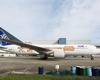 機体に大きくBB-8が描かれている