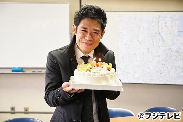 伊藤淳史が32歳の誕生日をドラマ「無痛~診える眼~」の現場で迎えた