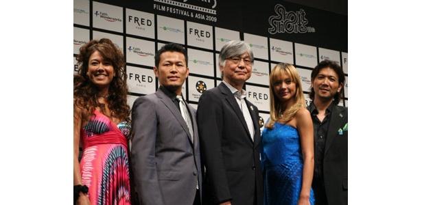 オープニングイベントには土屋アンナ、須藤元気のほか、LiLiCo(映画コメンテーター)、別所哲也(SSFF代表)、本保芳明(観光庁長官)が出席