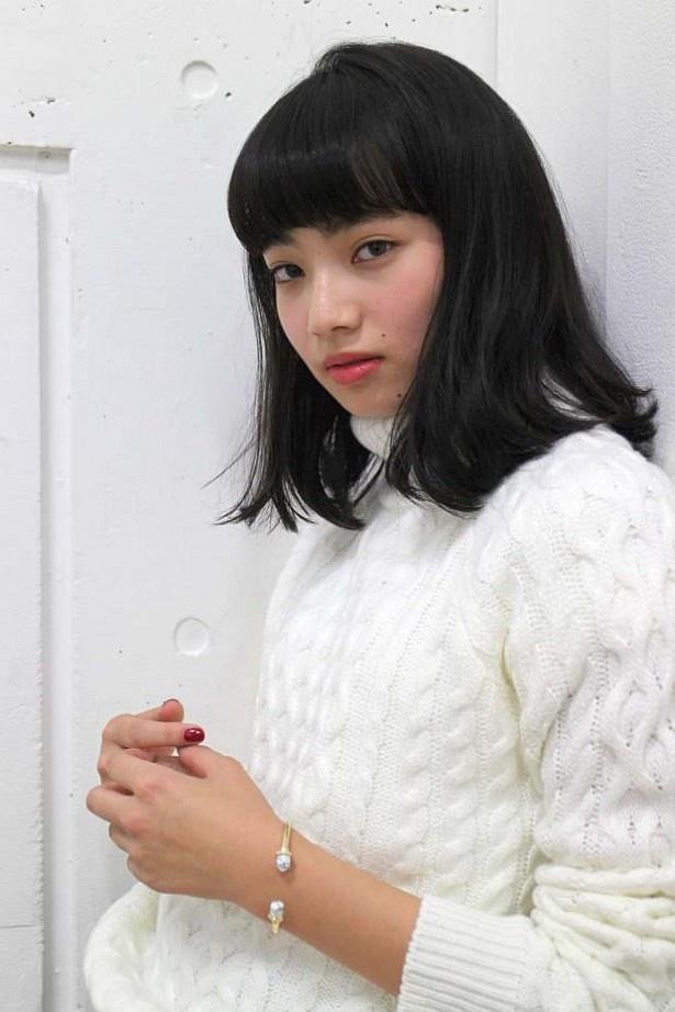 髪のアクセサリーが素敵な小松菜奈さん