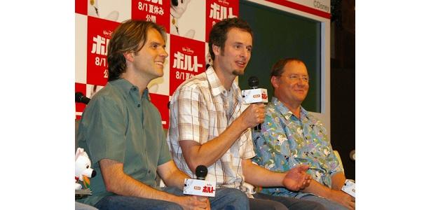 左からバイロン・ハワード監督、クリス・ウィリアムズ監督、ジョン・ラセター(製作総指揮)