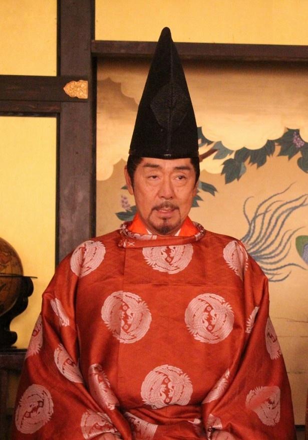 新春時代劇「信長燃ゆ」の取材会に登場した近衛前久役の寺尾聰