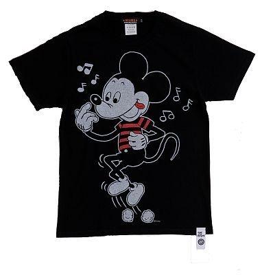 「OVER THE STRiPES×BEAMSのミッキーマウスTシャツ」(BLACK・表)