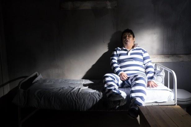 ドラマ「監獄学園-プリズンスクール-」で、芽衣子(護あさな)にお仕置きされるのを楽しみにしているドM男子・アンドレを演じるガリガリガリクソンにインタビュー!
