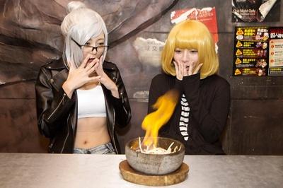 人気メニュー「燃えろ!チキン野郎」(745円)を実食!