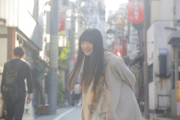 上田麗奈コラム第4回・神楽坂の小路を散歩&色探し