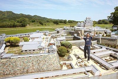 めちゃくちゃ精巧なミニチュア姫路城(撮影は特別に許可を得て入場しています。通常は庭から見学)