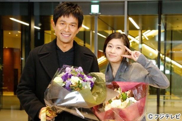 「オトナ女子」(フジ系)で、最後に撮影を終えた篠原涼子と江口洋介