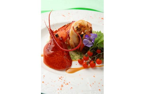 コース料理の中から・活 オマール海老の炭火焼 下川トマトのブールブラン 香草サラダ添え