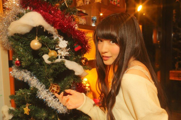 上田麗奈コラム第5回・クリスマスの夜カフェで色探し
